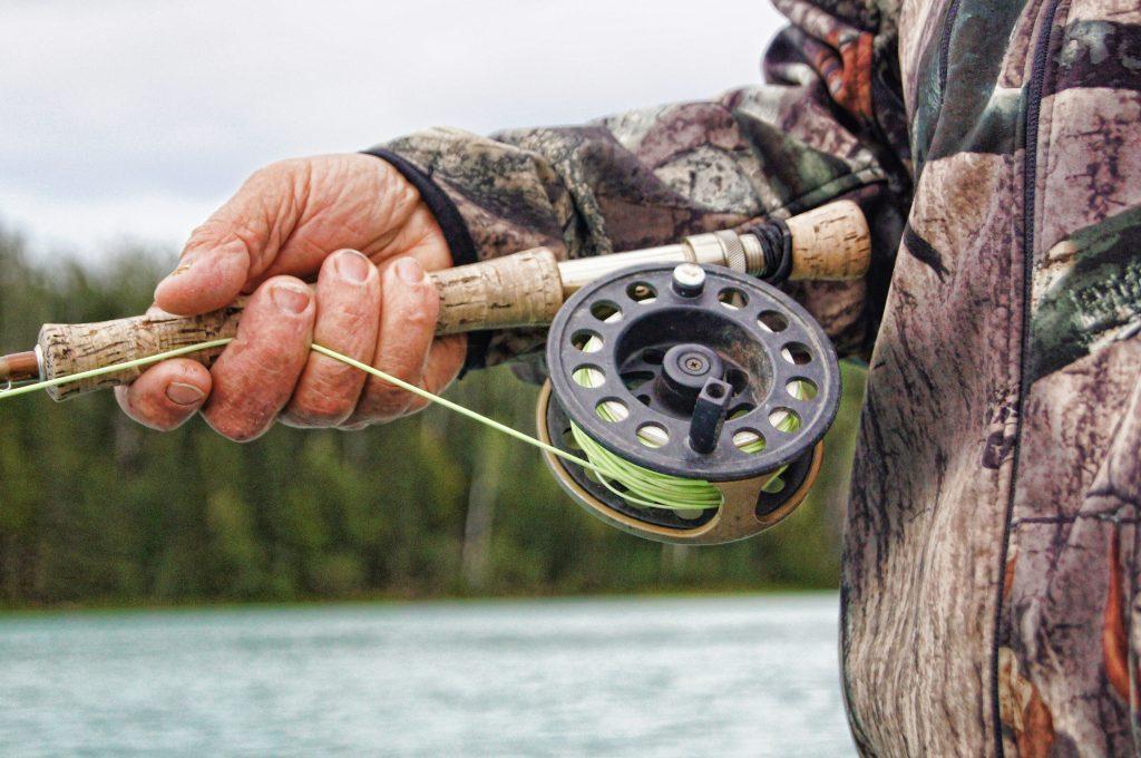 comment choisir sa canne pour débuter la pêche à la mouche