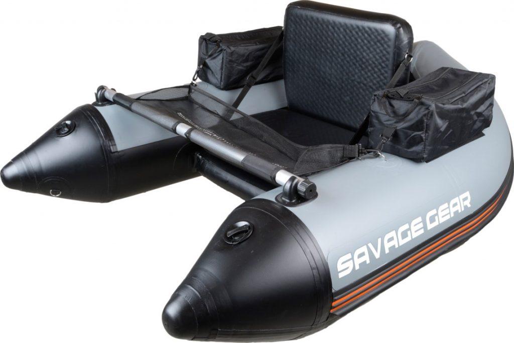 Le float tube savage Gear High Rider avec beaucoup de rangement et de place.